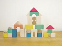 親子で遊ぶ国産木製玩具