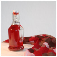 Johanniskrautöl, auch Rotöl genannt