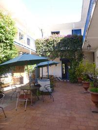 Sprinerli-Ersatz: Hostel im Kolonialstil mit Innenhof