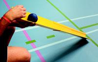 Rampe pour jeu sportif et handisport de boules de boccia. Rampe adaptée aux boules de boccia.