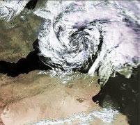 Bildquelle: http://en.wikipedia.org/wiki/User:Atomic7732/Mediterranean_tropical_cyclone | 04 – 06.Oktober 1996