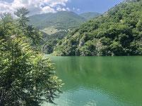 tiefgrüne Bergseen