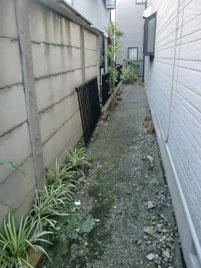コンクリート製の隙間がない塀