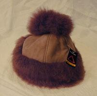 Damenmütze mit Bommel