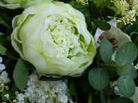 fleurs-artificielles-haut-de-gamme-vertes-et-blanches