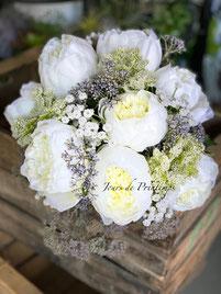 bouquet-rond-fleurs-artificielles-blanches-vertes-haut-de-gamme