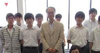 増田孝先生を囲んで記念写真。