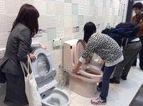 トイレは「掃除のとき」を意識した設計になっているそうです…