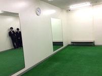選手が素振りなどをする場所を見学。