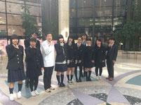 スーパー料理人鳥居久雄先生を囲んでの記念写真。