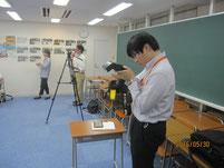 テレビ局や新聞記者の取材。