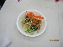 野菜サラダの出来上がり。