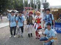 コスプレパレードに参加した方と記念写真。