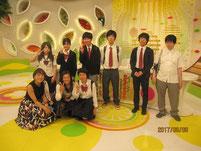 MC&リポーター越村江莉さん(左端)との記念写真。