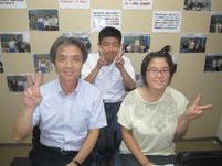 特別授業の前に、控え室で生徒たちと記念写真。