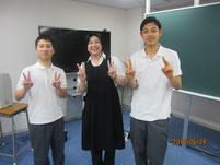生徒と記念写真。