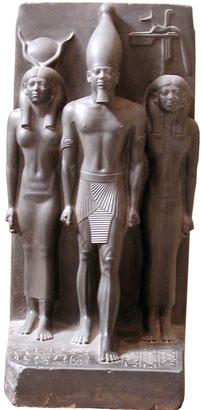 Menkaourê, plus connu sous la forme hellénisée de son nom Mykérinos (grec : Μυκερίνος), Menkaourê était le fils de Khéphren et le petit-fils de Khéops.