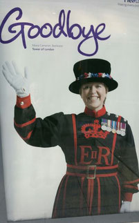 Yeoman Warder at London Heathrow wishing EU travelers goodbye  - photo: hs