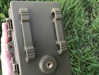 Parte de atras, con opción para usar el candado pitón o un soporte de tripode