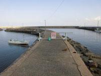 波津漁港 右側 旧波止