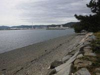 笠戸大橋下 右岸側 砂浜