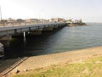 西川合流地点周辺 西祇園橋橋桁