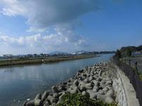 江川河畔公園周辺 公園前