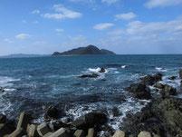 鐘の岬 沖の岩場