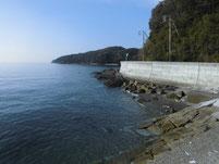 津木漁港 右側の海岸