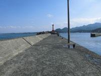 波津漁港 外波止 先端付近 内側