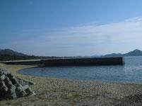戸仲漁港 左端の波止