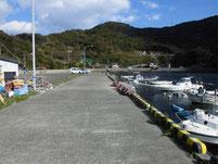 落漁港 港内岸壁