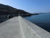 粭島漁港 外波止先端付近