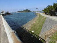 西川合流地点周辺 西祇園橋下流右岸側