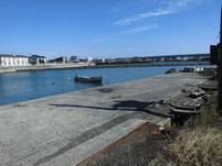 有帆川河口 右側の漁港 の写真