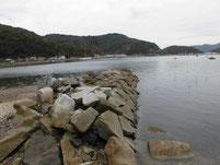 本浦漁港 右側護岸 石波止