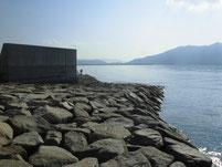 長田海浜公園 左側の波止