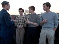 Im Netz der Leidenschaften: Allen Ginsberg (Daniel Radcliffe, 2.v.l) und seine Freunde. Foto: Koch Media