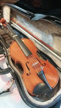 8分の1の可愛いヴァイオリンです♡