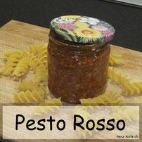 Pesto Rosso - selbstgemachte Vitaminbombe auch im Winter - Rezept für ein Geschenk aus der Küche