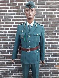 Volkspolitie, hondengeleider, hoofdagent, 1980 - 1989