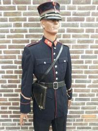 Rijkswacht, wachtmeester, dagelijks tenue rond 1955