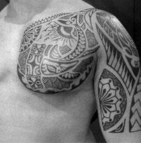 Art & Body Tattoostudio Maori Tätowierer Köln Tatau polynesisches Tattoo Männer Frauen Bedeutung Info Zeichen erklären meaning polynesian