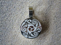Bild Suchmaschinenoptimierung SEO Keltische Anhänger Tribal Knoten Silber Edelstahl