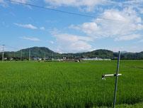 甘鉄車内から眺める城山(花立山)