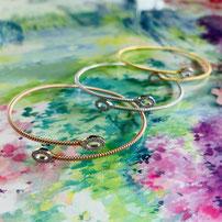 "Flexible twist bracelet ""Glitter"" with 22 sparkling rock crystals"