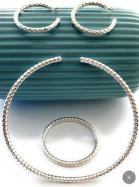 Set Cairo: Flexible Chocker, Hoop Earrings and Bracelet
