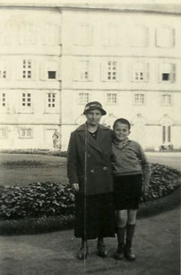 Gerda Braunold with son Josef 1934