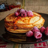 Protein Pfannkuchen mit Himbeeren