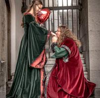 mittelalterliche Gewandung Mittelalterkleid
